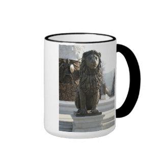 Lion Statue Ringer Mug