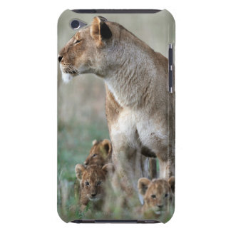 Lioness (Panthera leo) and cubs, Masai Mara iPod Touch Case