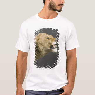 Lioness roaring 2 T-Shirt