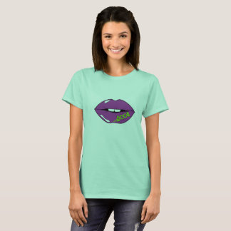 Lip shoe laces Women's Basic T-Shirt