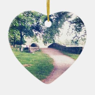 Little footbridge ceramic heart decoration