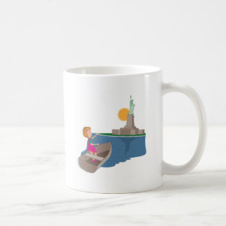 little girl and the statue of liberty mugs