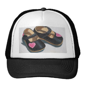 LITTLE GIRL S SHOES WITH HEART HATS