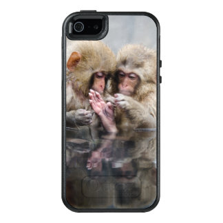 Little monkeys in hot spring, Japan. OtterBox iPhone 5/5s/SE Case