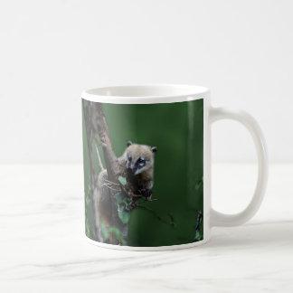 Little rascals coati - lemur basic white mug