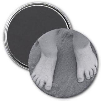 Little toes fridge magnets