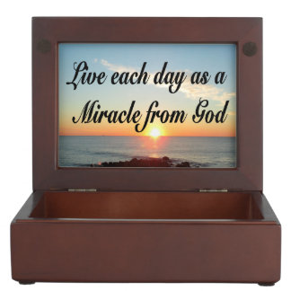 LIVE EACH DAY AS A MIRACLE FROM GOD KEEPSAKE BOX