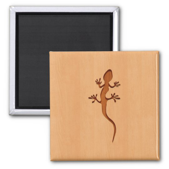 Lizard silhouette engraved on wood design magnet