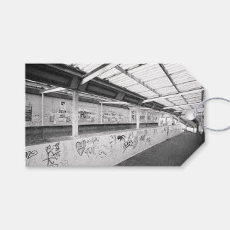 LONDON (BLACK AND WHITE URBAN) GIFT TAGS