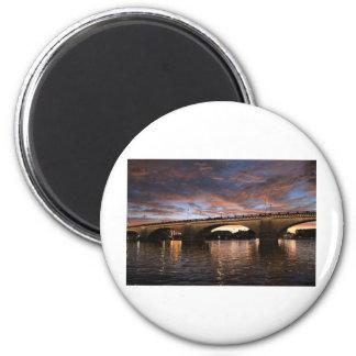 London Bridge 6 Cm Round Magnet