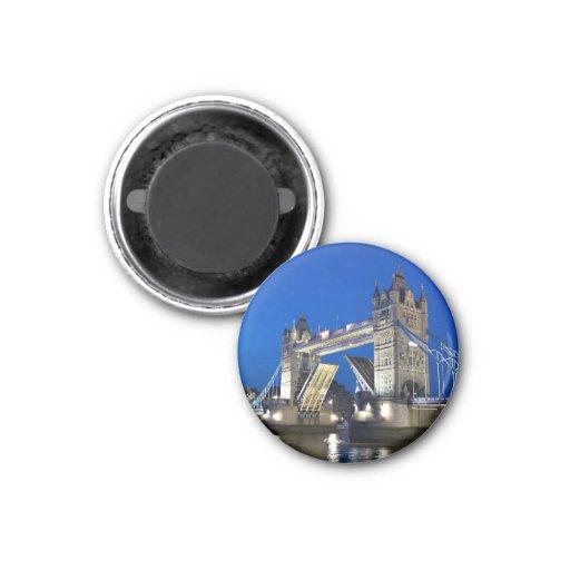 London - Tower Bridge at night magnet