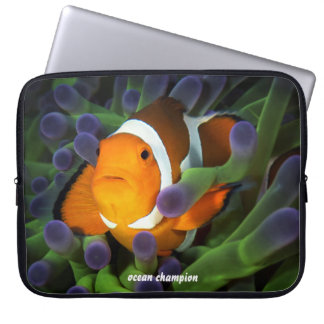 Lone Clownfish Laptop Sleeve