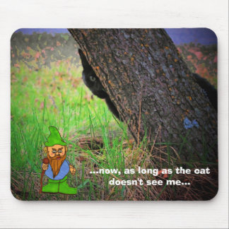 Look Behind You! Mouse Pad