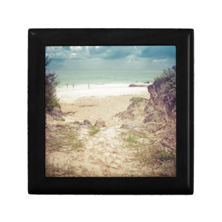 Look to the sea small square gift box