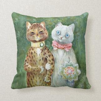 """LOUIS WAIN CATS Bride & Groom """"A Happy Pair"""" Cushion"""