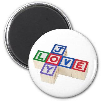 Love and joy 6 cm round magnet