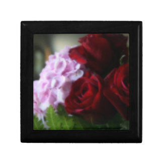 """""""Love Blooms"""" Gift Box"""