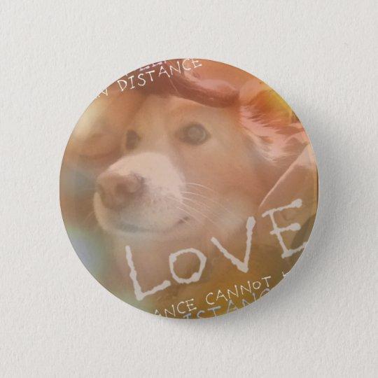 love can batch 6 cm round badge