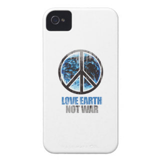 LOVE EARTH NOT WAR Faded.png Case-Mate iPhone 4 Case