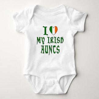 Love Irish Aunts T Shirt