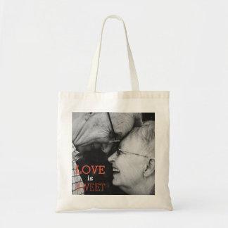 Love is Sweet! Feel the Love