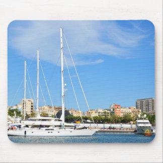 Love sailing mouse mat