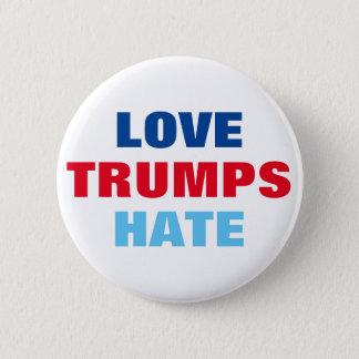 Love Trumps Hate 6 Cm Round Badge