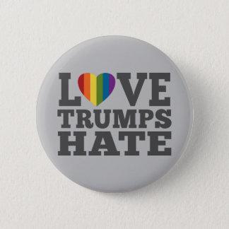 Love Trumps Hate - Anti Donald Trump 6 Cm Round Badge