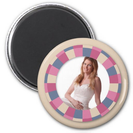 lovely Circle frame - 'Beige Rose' on beige 6 Cm Round Magnet