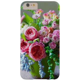 Lovely pink roses and green leavesiPhone/iPad case