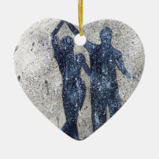 Lovers dancing in rain ceramic heart decoration