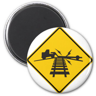 Low Crossing Highway Sign 6 Cm Round Magnet
