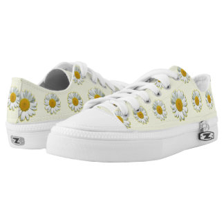 Low top shoes with daisies. printed shoes