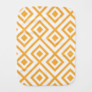 Lozenge shaped geometric pattern burp cloth