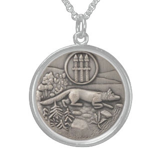 LUCKY CHARM ANTIQUE SILVER WOLF ROUND PENDANT NECKLACE