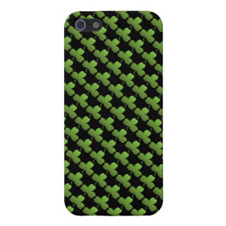 Lucky Shamrock Pattern, Black and Green Case For The iPhone 5