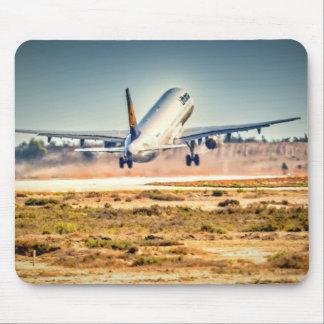 Lufthansa takeoff mouse mat