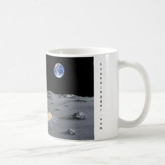 Lunar Putt Basic White Mug
