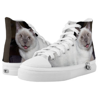 Lying cat printed shoes