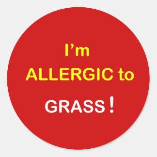 m4 - I'm Allergic - GRASS. Round Sticker