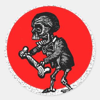 Macabre Dia de los Muertos Round Stickers