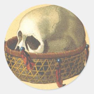 Macabre: Skull - New Guinea Round Sticker