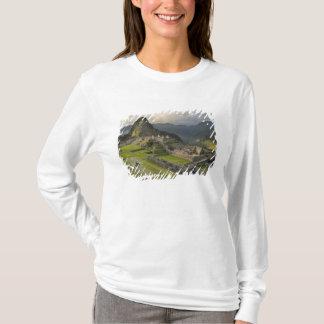 Machu Picchu, ancient ruins, UNESCO world T-Shirt