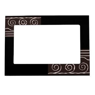 Magnetic frame Black and white