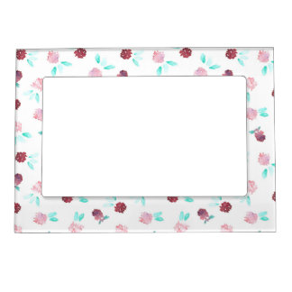 Magnetic frame with clover flowers