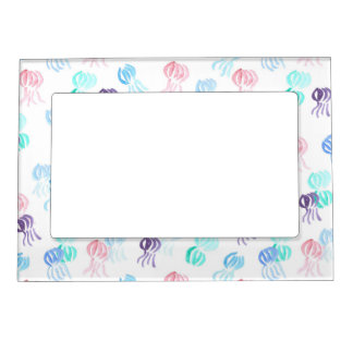 Magnetic frame with jellyfishes