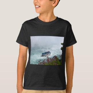 Maid of the Mist boat at Niagara Falls, Canada T-Shirt