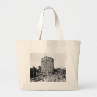 Majestic Building, Detroit: 1899 Canvas Bag