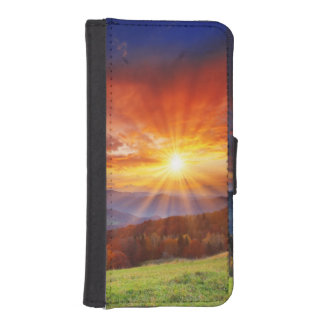 Majestic sunrise in the mountains landscape iPhone SE/5/5s wallet case