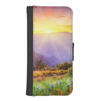 Majestic sunset in the mountains landscape iPhone SE/5/5s wallet case